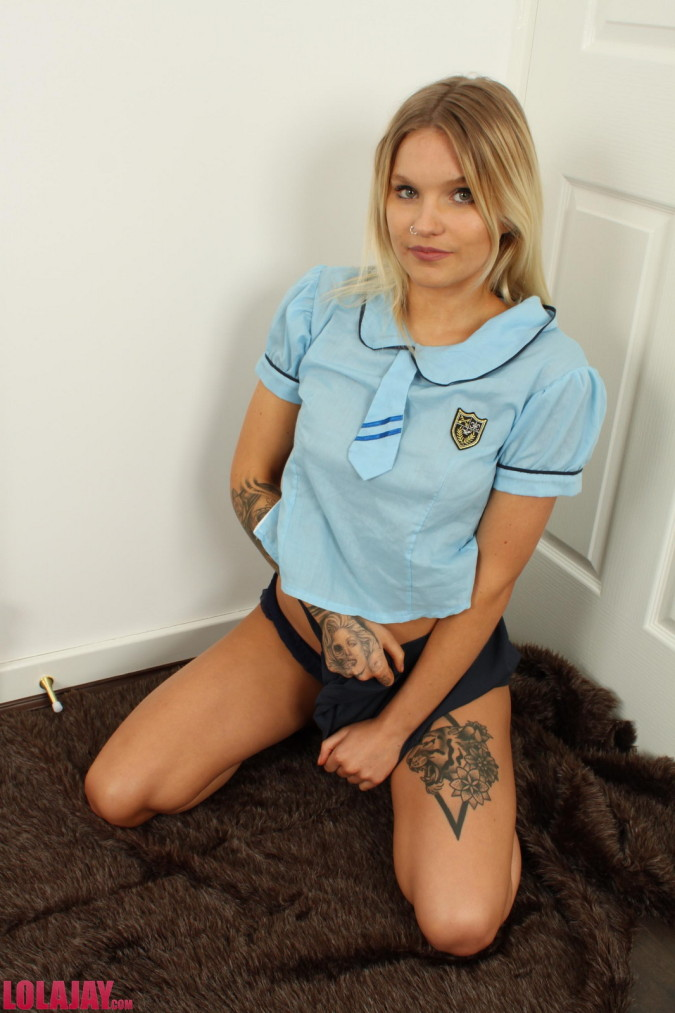 lola jay small tits british tattooed alt blonde